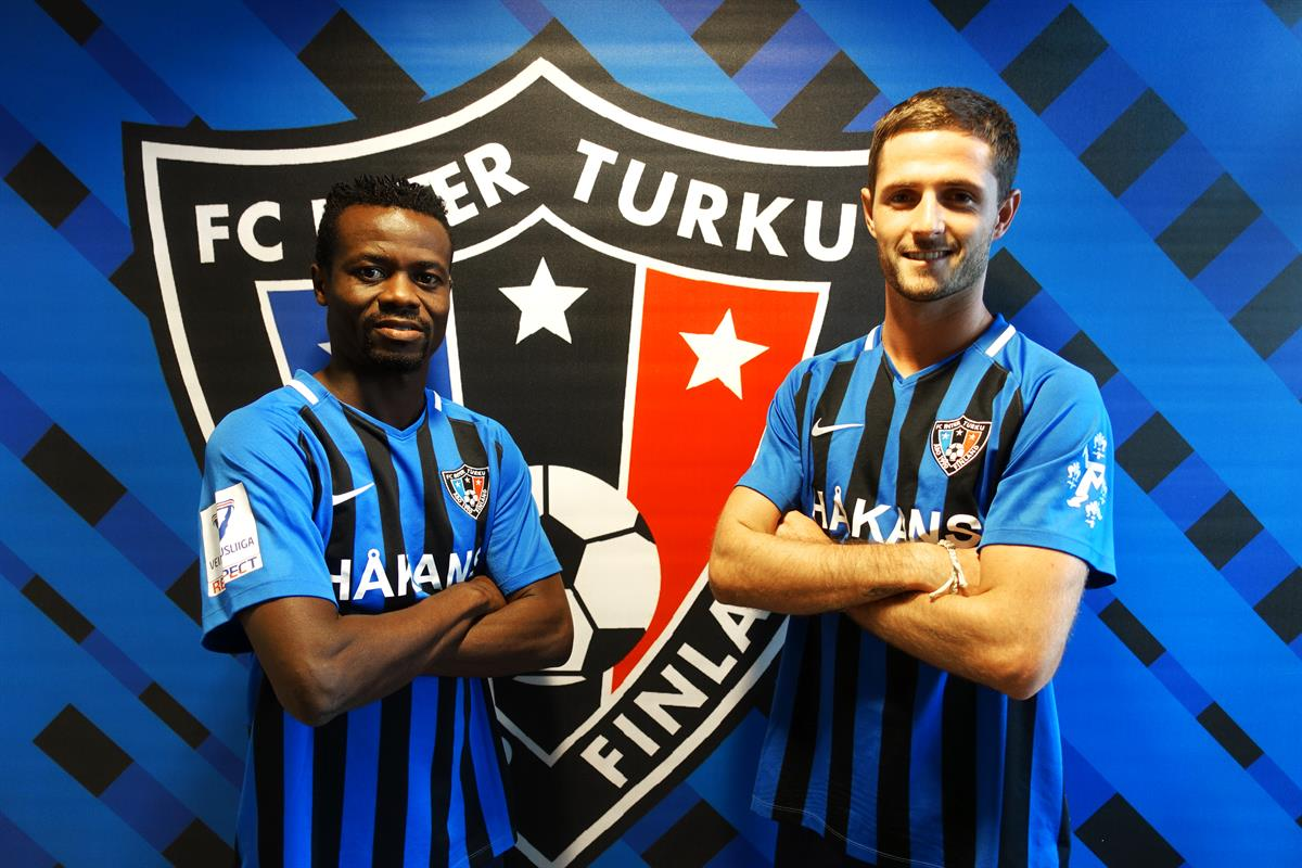 Anthony Annan ja Connor Ruane.